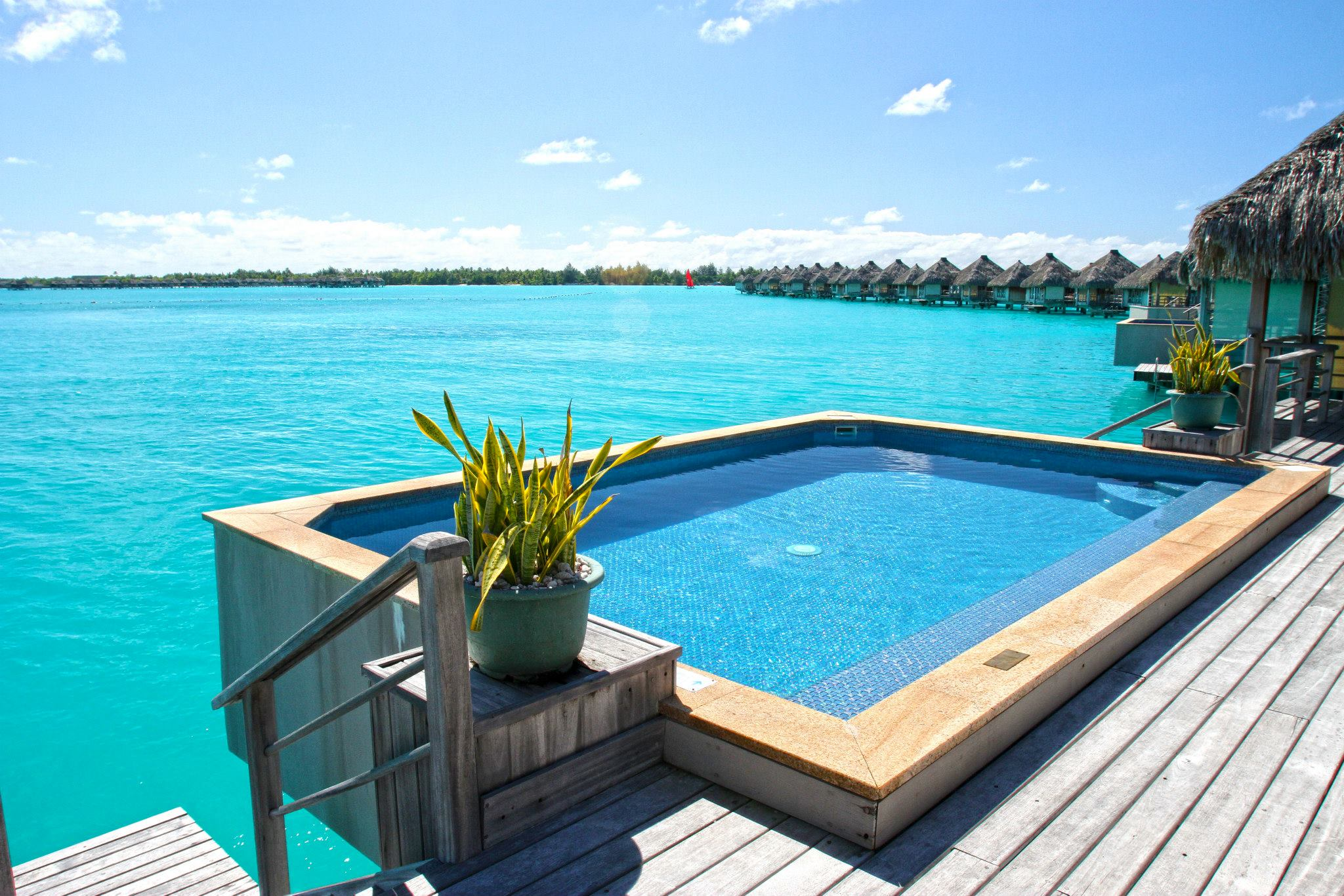 bora-bora-four-seasons-pool-wallpaper-2
